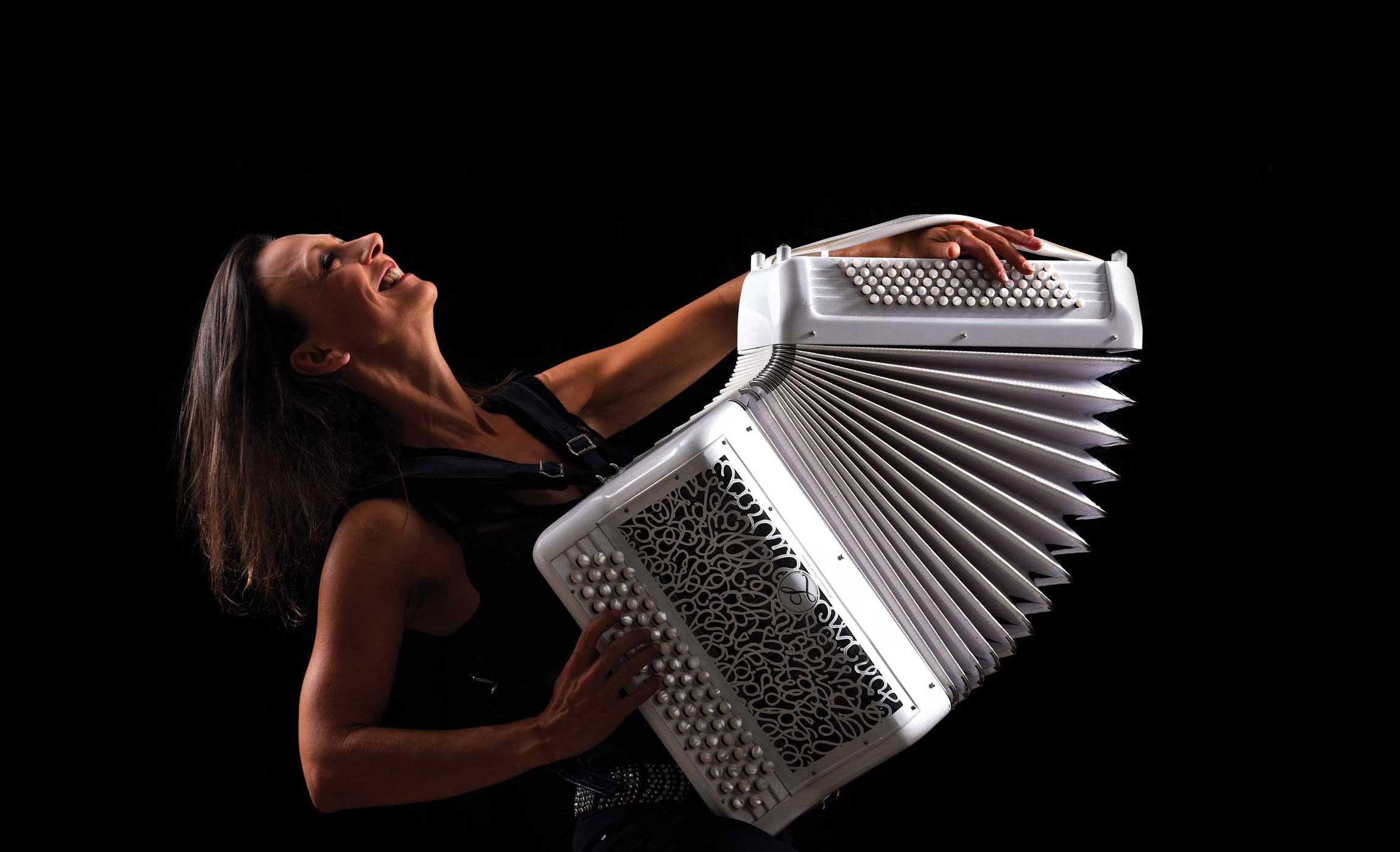 Amandine Musichini Bal Musette